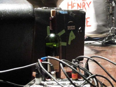 *love* the Aquarium Drunkard sticker on the pedal case!