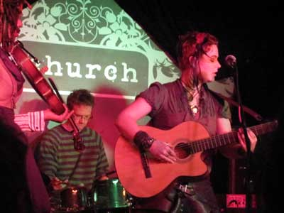 Humanwine_church02