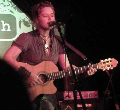 Humanwine_church05